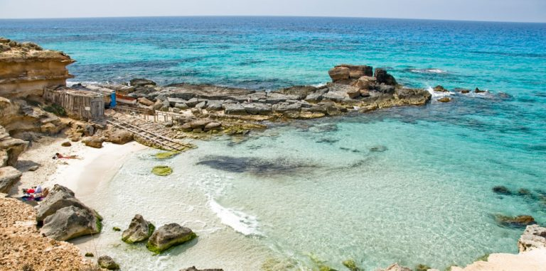 Caló des Morts, Formentera