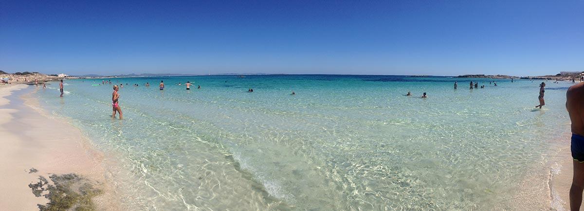 Playa de Ses Canyes En Formentera