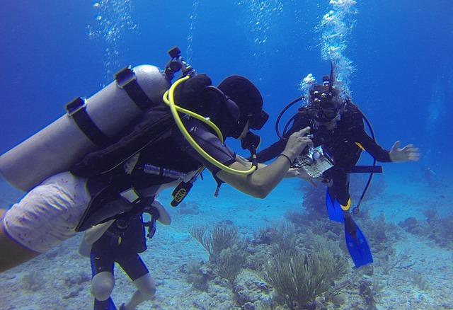 Hacer submarinismo en Formentera