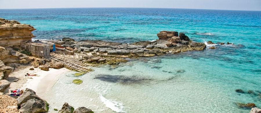 Caló des Morts en Formentera