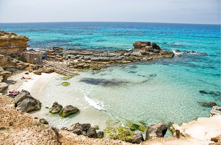 Cala d'es Morts, Migjorn, Formentera