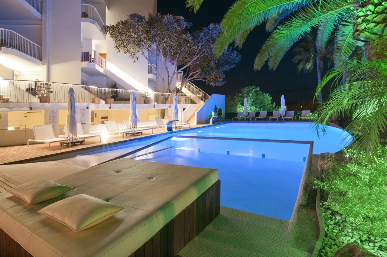 Apartamentos Castaví Formentera - Piscina noche