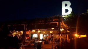 Beso Beach Formentera de noche