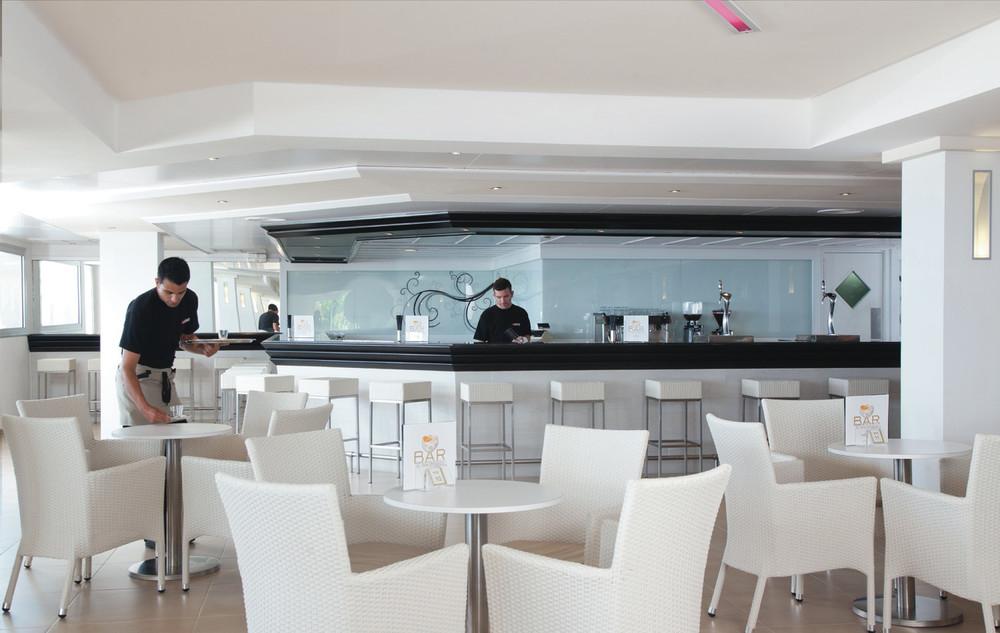 Hotel Riu La Mola Formentera Bar