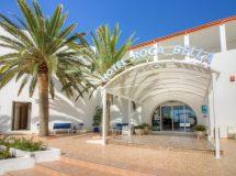 Entrada a Hotel Rocabella