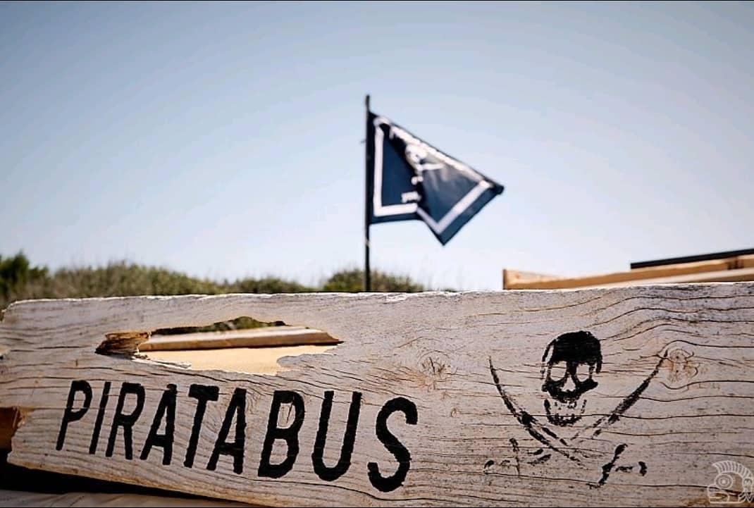 Chiringuito Piratabus, en Migjorn