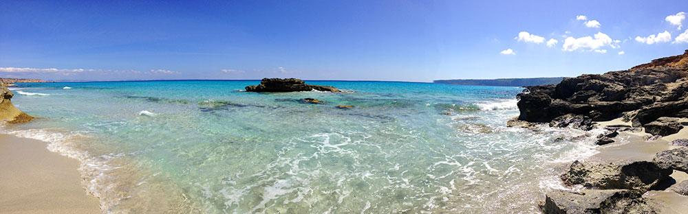 Panorámica de playa de Tramuntana en Formentera