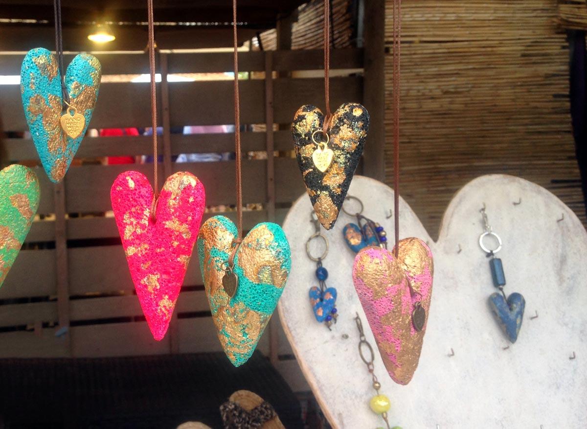 Mercado artesanal en el Pilar de la Mola
