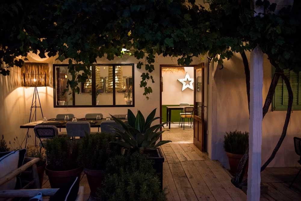 Decoración de terraza en Restaurante Can Pepito