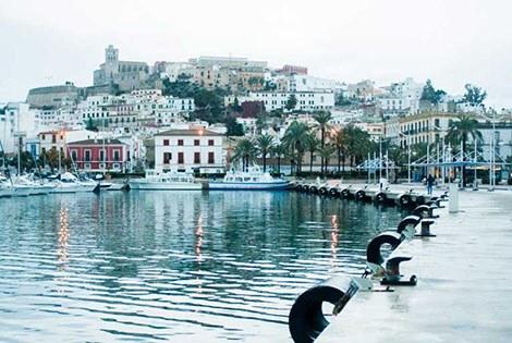 Puerto de Ibiza destino a Formentera
