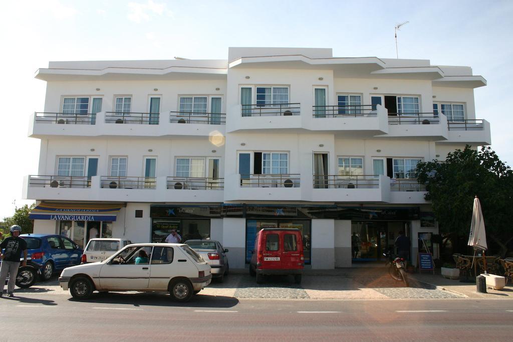 Hostal Illes Pitiuses, fachada