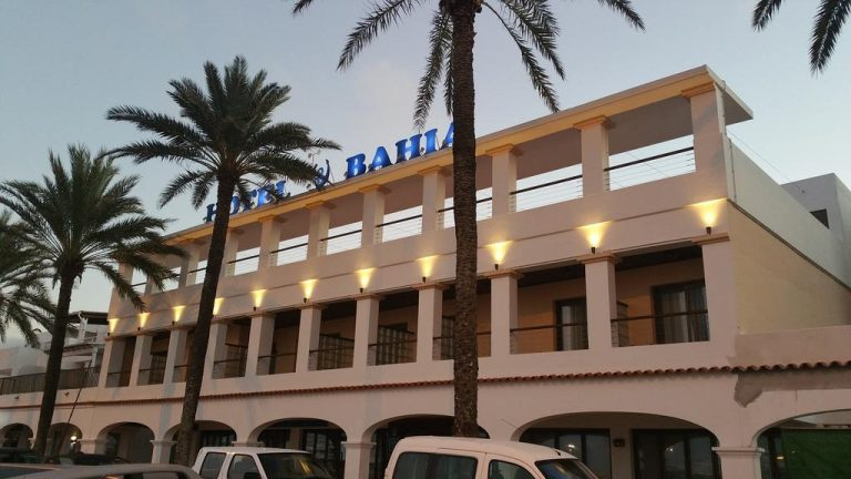Fachada en Hotel Bahía Formentera
