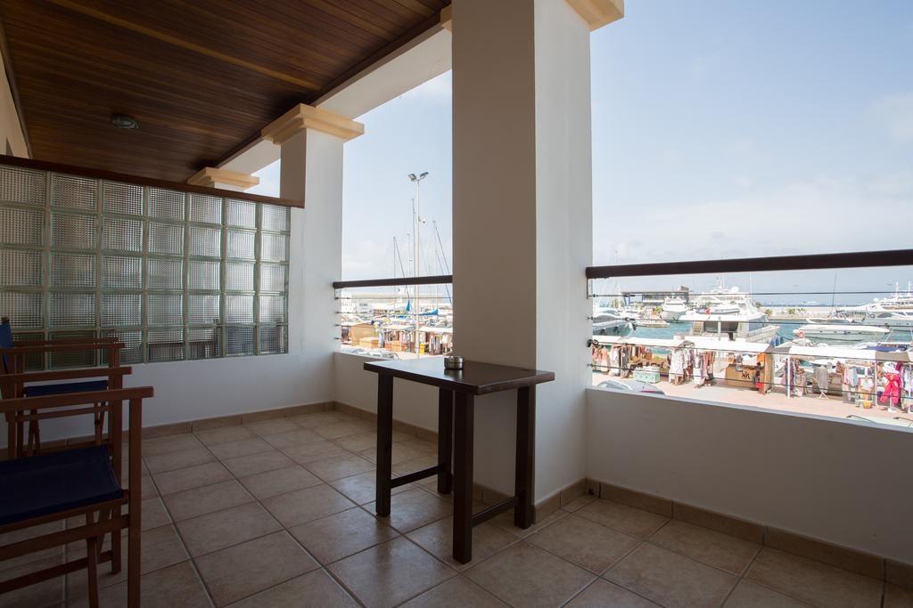 Vistas al puerto en Hotel Bahía Formentera