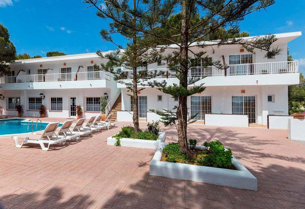 Apartamento Hostal Es Pi, un hostal ideal para disfrutar de tus mascotas en Formentera